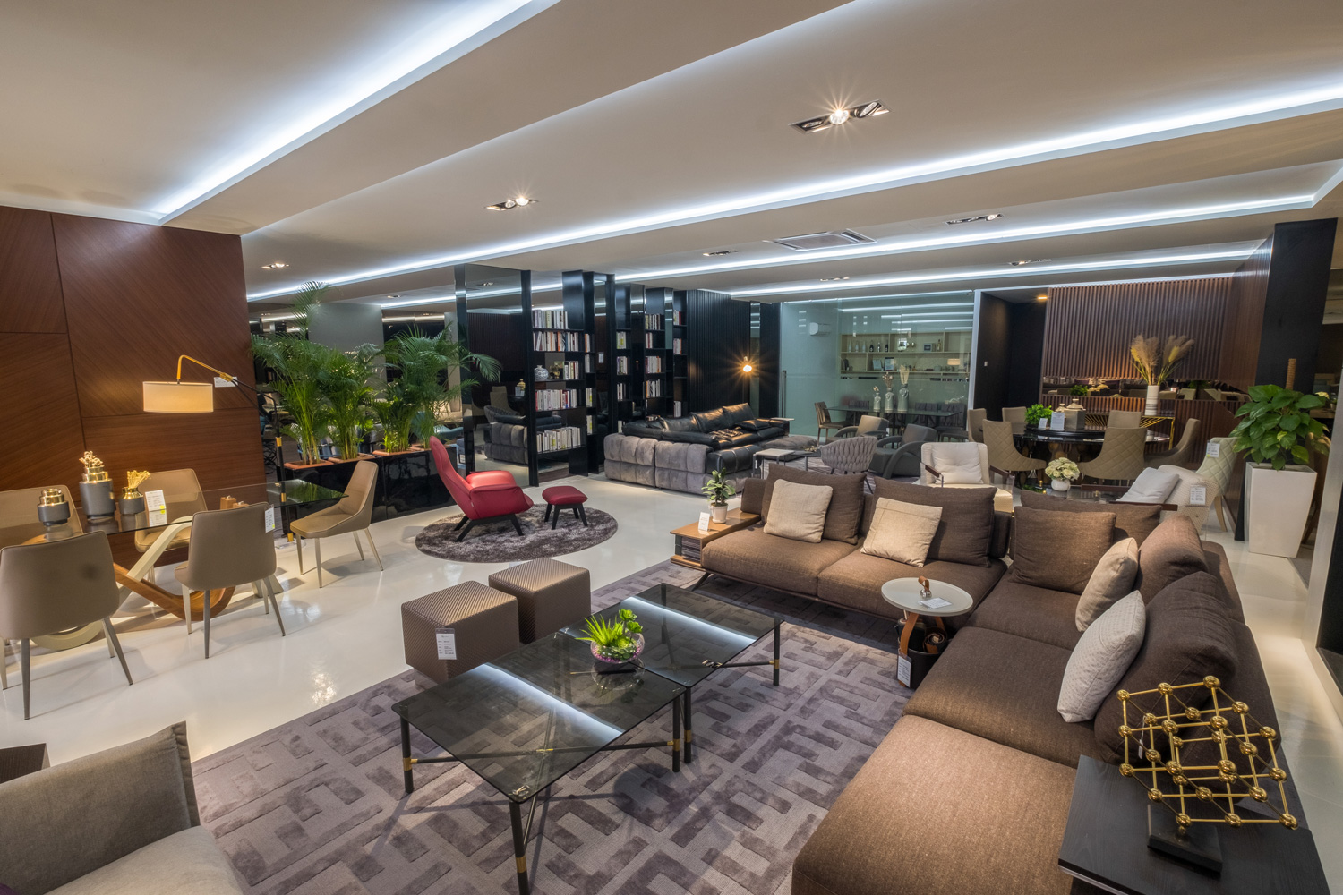your-luxury-lifestyle-begins-here-04